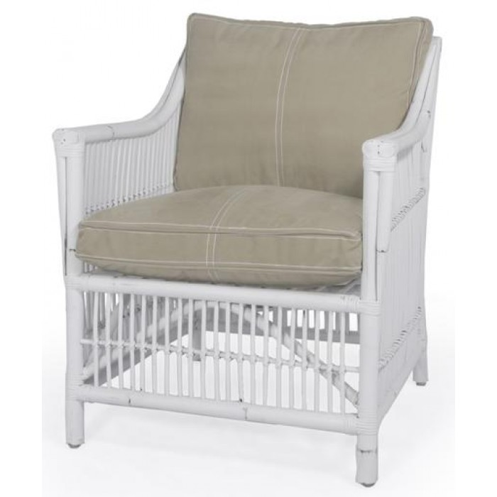 Mountak Accent Chair (Rustic White)