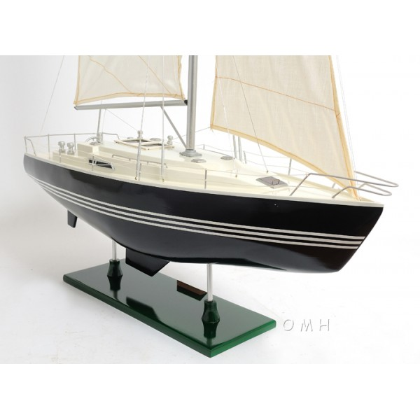 Victory Yacht - Painted